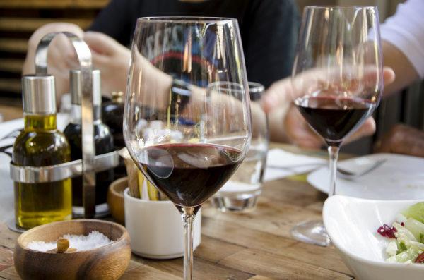 买红酒的时候,红酒品牌重不重要?