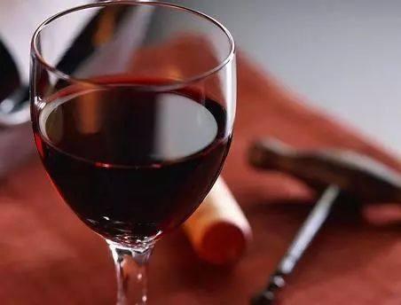 """红酒入门菜鸟选酒别慌 新手入门葡萄酒单推荐-导语:""""有没有什"""